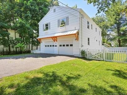 Single Family Home Sold in Fairfield CT 06824. Contemporary, ranch house near waterfront with 2 car garage.