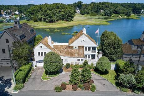 Single Family Home Sold in Norwalk CT 06853. Colonial house near beach side waterfront with 1 car garage.