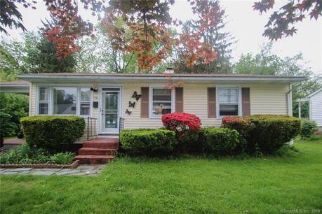Short Sale: Single Family Home Sold in Danbury CT 06810. Ranch house near waterfront.
