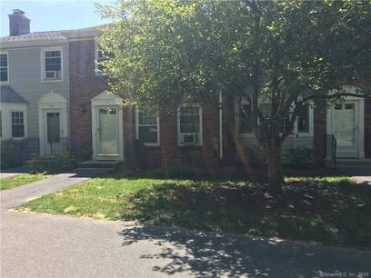 Condo Home Sold in Brookfield CT 06804.  townhouse near waterfront with 1 car garage.