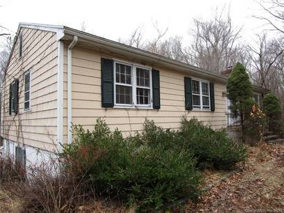 Foreclosure: Single Family Home Sold in Wilton CT 06897. Ranch house near waterfront with 2 car garage.