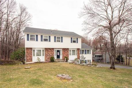Single Family Home Sold in Danbury CT 06811. Colonial house near waterfront with 2 car garage.