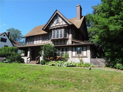 Single Family Home Sold in Bridgeport CT 06604. Old colonial, tudor house near beach side waterfront.