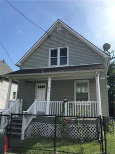 Single Family Home Sold in Bridgeport CT 06607. Old  cape cod house near waterfront.