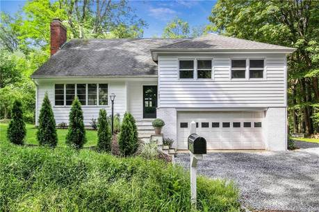 Single Family Home Sold in Ridgefield CT 06877. Old  house near waterfront with 2 car garage.