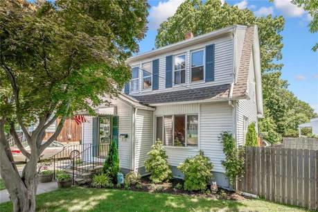 Single Family Home Sold in Stratford CT 06614. Old colonial house near beach side waterfront.