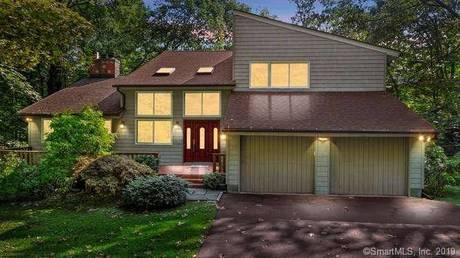 Single Family Home Sold in Stamford CT 06903. Contemporary house near river side waterfront with 2 car garage.