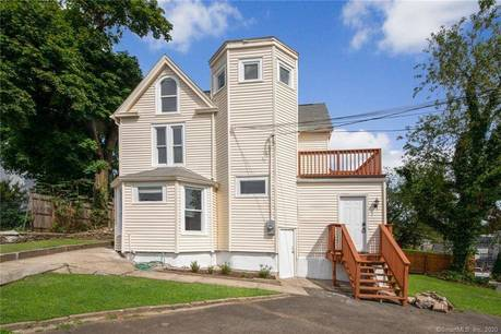 Single Family Home Sold in Norwalk CT 06854. Old victorian house near waterfront.
