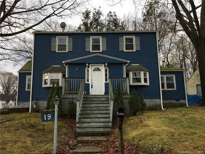 Single Family Home For Sale in Bridgeport CT 06610. Colonial house near waterfront.