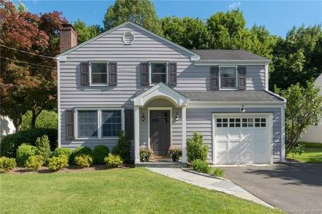 Single Family Home Sold in Darien CT 06820. Colonial house near beach side waterfront with 1 car garage.