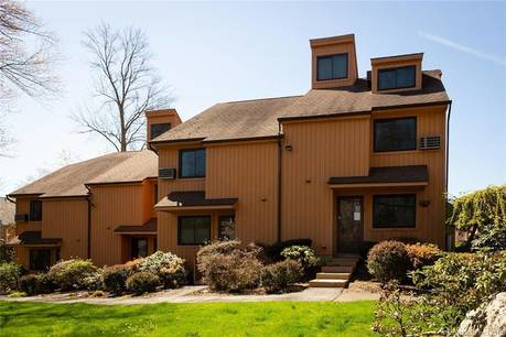 Condo Home Sold in Stamford CT 06907.  townhouse near waterfront with 1 car garage.