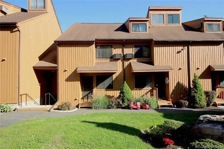 Condo Home Sold in Stamford CT 06907.  townhouse near waterfront with 2 car garage.