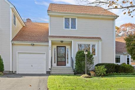 Condo Home For Sale in Shelton CT 06484.  townhouse near waterfront with swimming pool and 1 car garage.