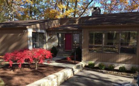 Single Family Home For Rent in Norwalk CT 06850. Contemporary, ranch house near river side waterfront with 2 car garage.