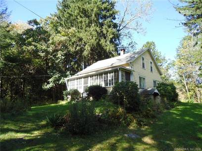 Single Family Home Sold in Easton CT 06612. Old  cape cod house near waterfront.