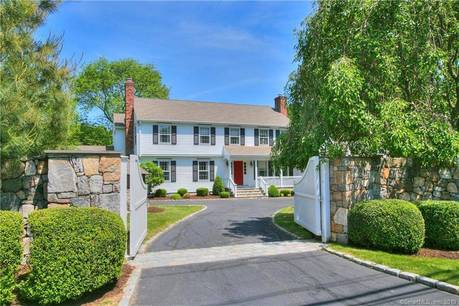 Single Family Home Sold in New Canaan CT 06840. Colonial house near lake side waterfront with 3 car garage.