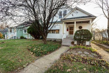 Single Family Home Sold in Fairfield CT 06825. Old ranch house near waterfront with 1 car garage.