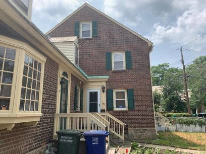 Cooperative Home Sold in Bridgeport CT 06604. Old  townhouse near waterfront.