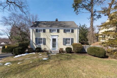 Single Family Home Sold in Darien CT 06820. Old colonial house near beach side waterfront.