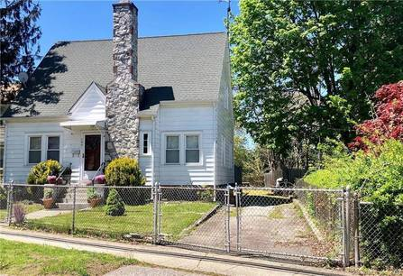 Single Family Home Sold in Stratford CT 06615.  cape cod house near beach side waterfront.