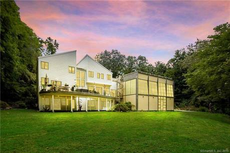 Single Family Home Sold in Westport CT 06880. Contemporary, colonial house near beach side waterfront with 3 car garage.
