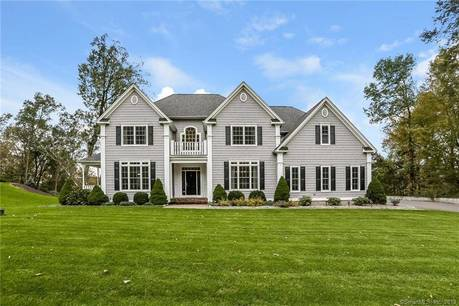 Single Family Home Sold in Brookfield CT 06804. Colonial house near waterfront with 3 car garage.