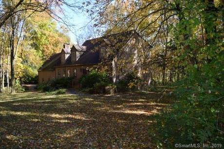 Foreclosure: Single Family Home Sold in Monroe CT 06468.  cape cod house near waterfront with 2 car garage.