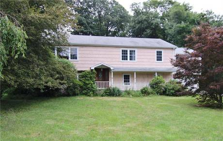 Single Family Home Sold in Norwalk CT 06851. Ranch house near waterfront with swimming pool and 2 car garage.