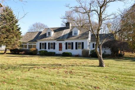 Single Family Home For Rent in Newtown CT 06470.  cape cod house near waterfront with 2 car garage.