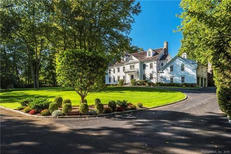 Luxury Mansion Sold in Greenwich CT 06830. Big colonial house near waterfront with swimming pool and 2 car garage.