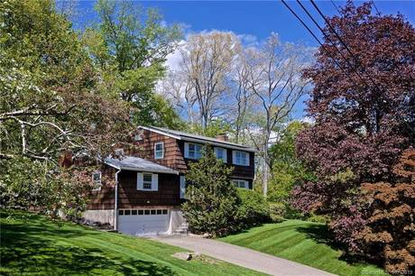 Single Family Home Sold in Norwalk CT 06850. Colonial house near beach side waterfront with 2 car garage.