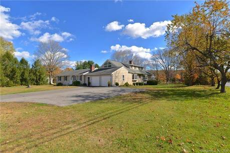 Single Family Home For Sale in Newtown CT 06482. Ranch house near waterfront with 2 car garage.