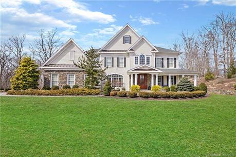 Single Family Home Sold in Newtown CT 06470. Colonial house near waterfront with swimming pool and 3 car garage.