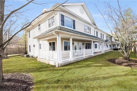 Condo Home Sold in Westport CT 06880. Ranch house near beach side waterfront with 1 car garage.