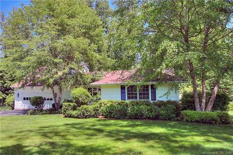 Single Family Home Sold in Westport CT 06880. Contemporary, ranch house near beach side waterfront with swimming pool and 2 car garage.