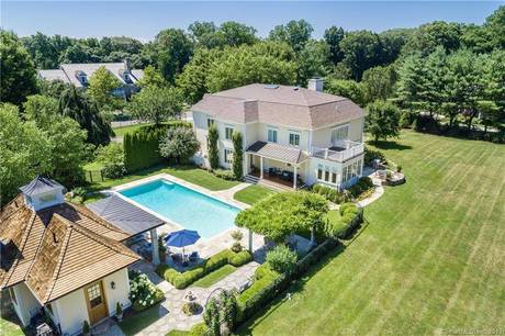 Single Family Home Sold in Fairfield CT 06890. Colonial house near waterfront with swimming pool and 3 car garage.