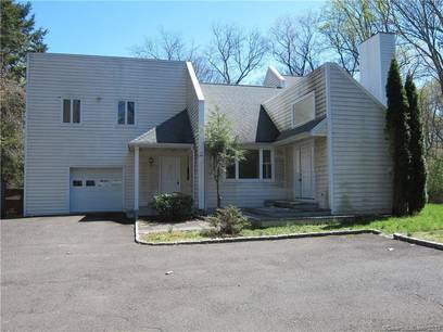 Foreclosure: Single Family Home Sold in Norwalk CT 06851. Contemporary house near waterfront with 1 car garage.