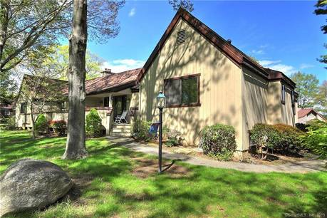 Condo Home Sold in Stratford CT 06614. Ranch house near beach side waterfront with swimming pool and 1 car garage.