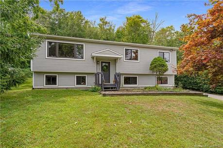 Single Family Home Sold in Newtown CT 06470. Ranch house near lake side waterfront with 2 car garage.