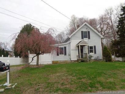 Foreclosure: Single Family Home Sold in Bridgeport CT 06606. Old  cape cod house near waterfront.