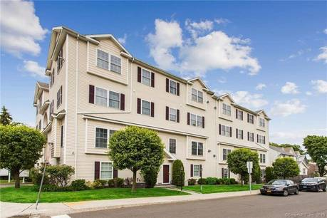 Condo Home Sold in Stamford CT 06906.  townhouse near waterfront with 2 car garage.