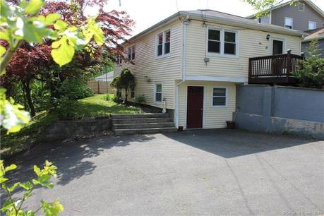 Single Family Home Sold in Bethel CT 06801. Ranch house near waterfront with 1 car garage.