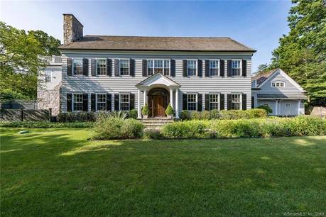 Luxury Single Family Home Sold in Greenwich CT 06870. Colonial house near waterfront with swimming pool and 1 car garage.