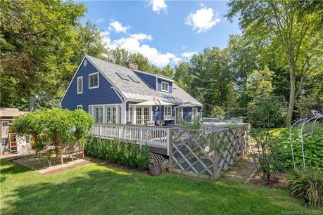 Single Family Home Sold in Norwalk CT 06851. Contemporary cape cod house near beach side waterfront with 2 car garage.