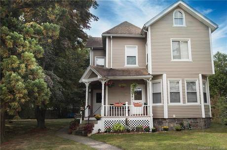 Single Family Home Sold in Norwalk CT 06851. Old colonial house near beach side waterfront.