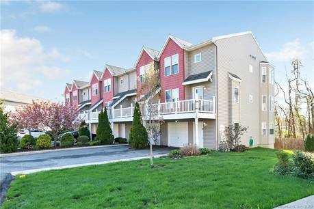 Condo Home Sold in Stratford CT 06615.  townhouse near beach side waterfront with 1 car garage.