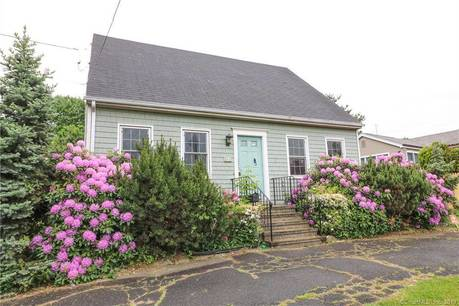 Foreclosure: Single Family Home Sold in Bridgeport CT 06605.  cape cod house near waterfront.