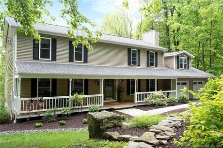 Single Family Home Sold in Ridgefield CT 06877. Colonial farm house near waterfront with 2 car garage.