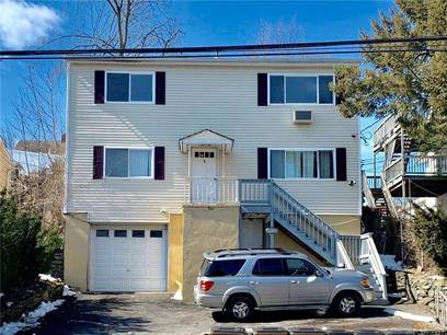 Multi Family Home Sold in Stamford CT 06906.  house near waterfront with 1 car garage.