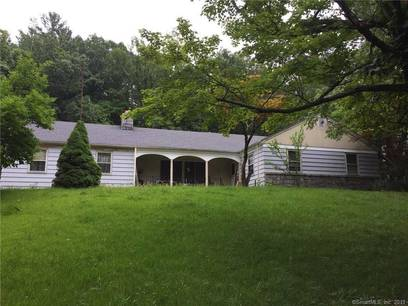 Single Family Home Sold in Shelton CT 06484. Ranch house near waterfront with 4 car garage.